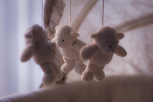 The survival guide: Transitioning baby to crib